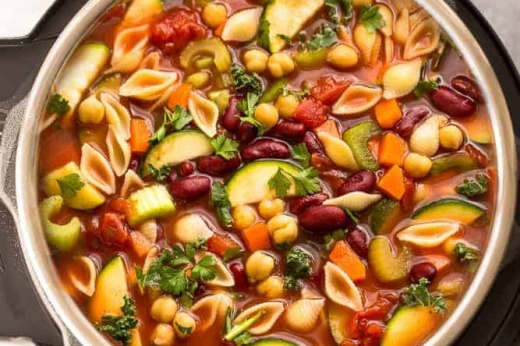 Minestrone (Italian Vegetable Soup with Pasta)